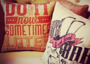 Подушки с печатью.