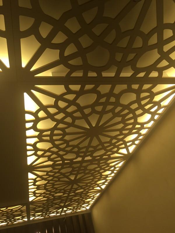 Потолок резной с подсветкой-800-1