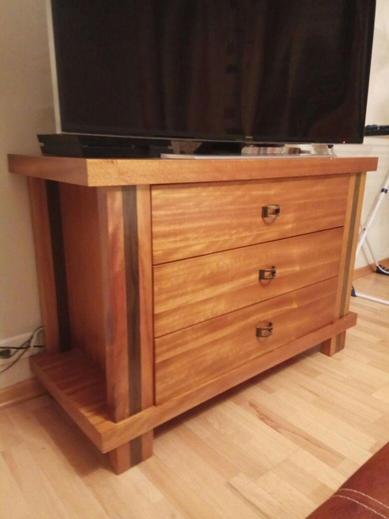 Обивка тканью деревянную мебель.