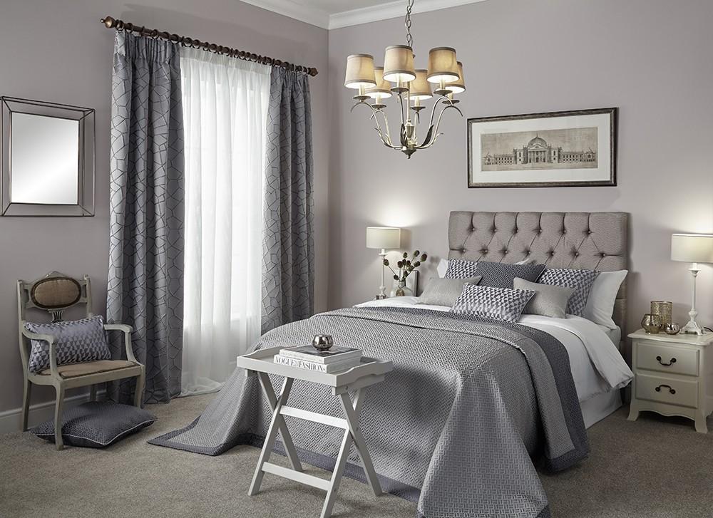 Пошив штор и постельного белья.