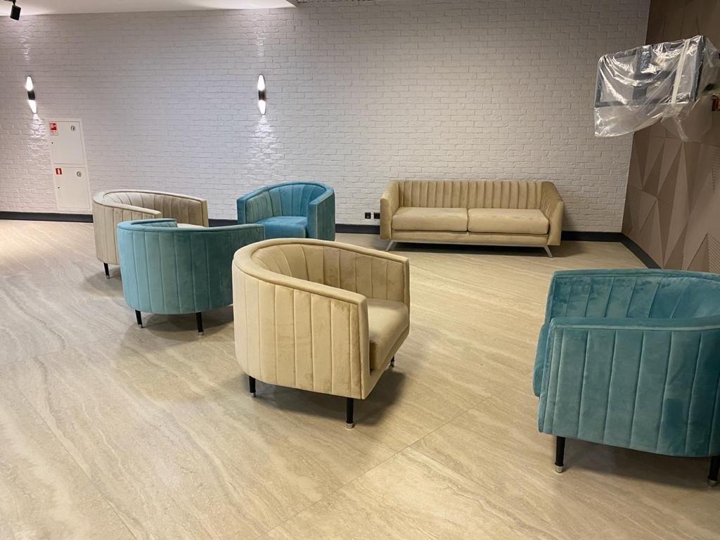 Кресла и диваны на заказ