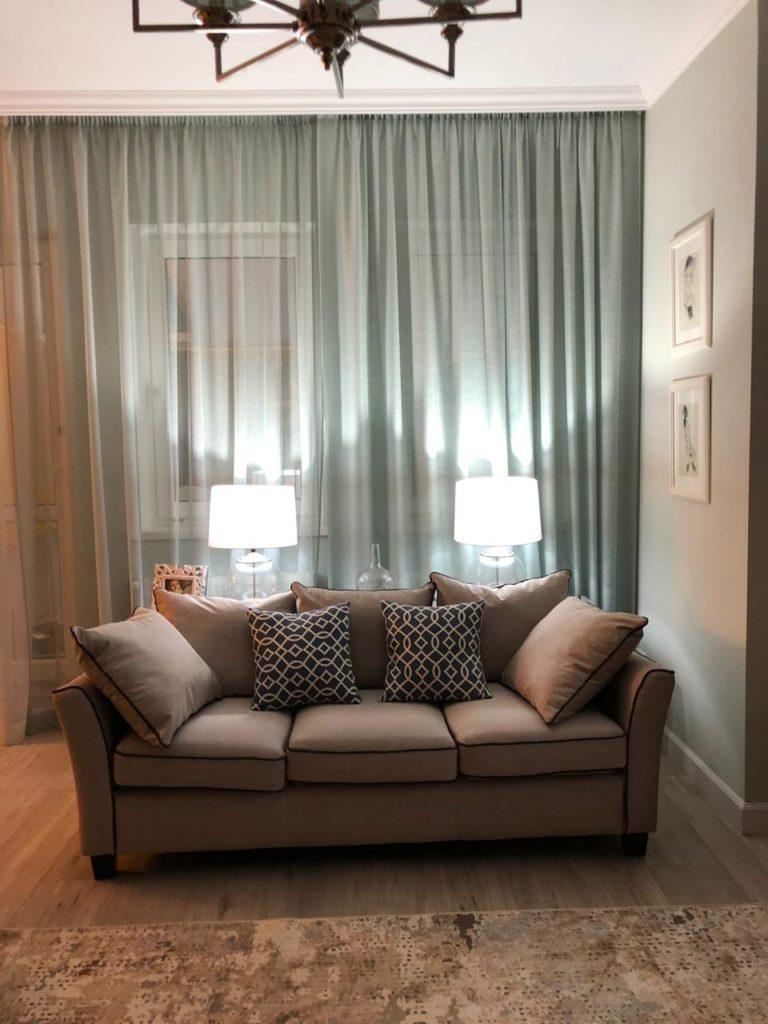 Пошив штор для гостиной, мягкая мебель