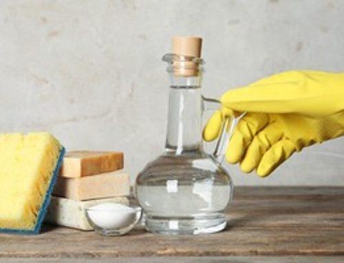 7 лайфхаков для уборки с уксусом, которые сэкономят ваши деньги